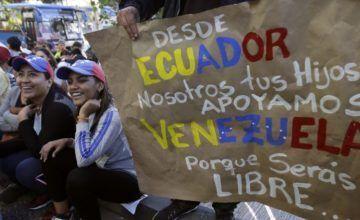 Ecuador renueva emergencia en 3 provincias por venezolanos