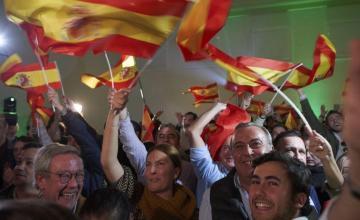 Partido de derecha español Vox se dispara en intención de voto y entraría en Congreso: sondeo