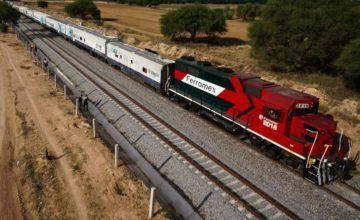 Bloqueo de maestros mexicanos a trenes generaría desabasto de alimentos básicos: Ferromex
