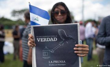 Diario La Prensa de Nicaragua reduce sus páginas por la retención de papel y tinta