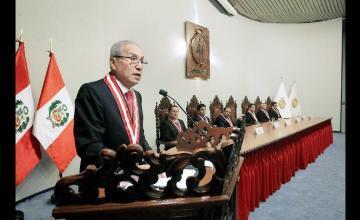 Fiscal general de Perú anuncia renuncia del cargo presionado por crisis judicial