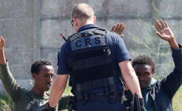 Reino Unido arresta a dos posibles traficantes de migrantes
