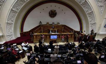 Parlamento venezolano dice que presidencia quedará usurpada si Maduro asume segundo mandato