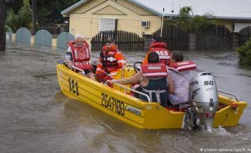 Inundaciones en Australia ponen en riesgo hasta 20.000 casas y llevan cocodrilos y serpientes a las calles
