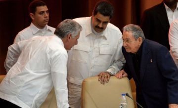 Raúl Castro amenaza a Maduro y lo obligada a quedarse en Venezuela bajo la presión de USA