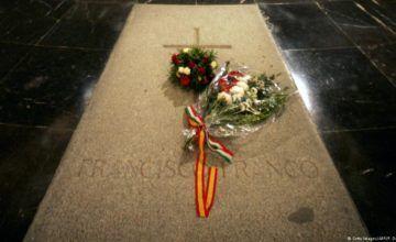 Gobierno español aprueba orden para exhumar a Franco