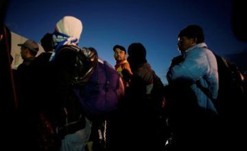 Migrantes centroamericanos llegan a frontera de México con EE.UU.