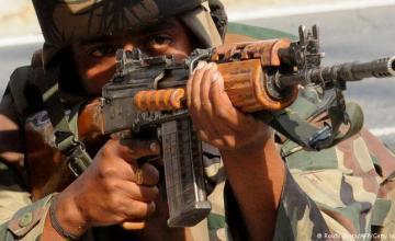 Pakistán dice que derriba 2 aviones indios, captura 1 piloto
