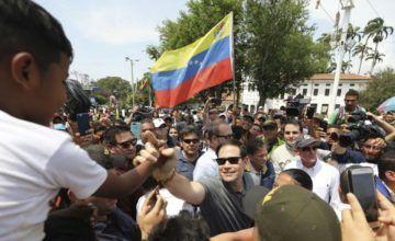 Legisladores EE.UU. visitan frontera colombo-venezolana para mostrar apoyo a ayuda humanitaria