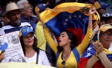 Venezuela marcha el martes a favor y en contra del ingreso de la ayuda humanitaria