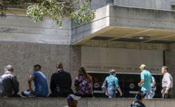 Oficialismo saca al menos ocho toneladas de oro de Banco Central de Venezuela