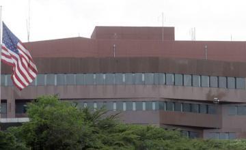 Militares EEUU están preparados para proteger a diplomáticos en Venezuela: Jefe Comando Sur