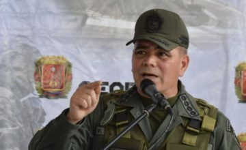 "Ministro Defensa Venezuela: tendrán que pasar sobre ""cadáveres"" alto mando militar para imponer gobierno ""títere"""