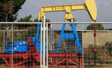 Brazo comercial de gigante rusa Lukoil detuvo operaciones petroleras con Venezuela