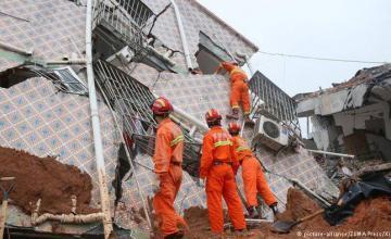 Alud de tierra en China derriba casas y mata a 7 personas