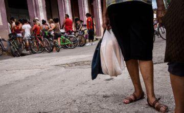 """En Cuba se avivan temores de otro """"período especial"""""""