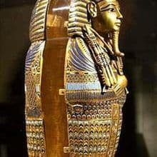 Exhiben en París tesoros de la tumba de Tutankamón