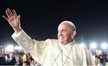 Se estaba yendo de las manos: Papa explica misterio sobre besos a su anillo