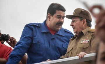 """EEUU confirma que """"hay miles de oficiales cubanos"""" en Venezuela"""