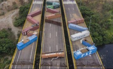 GNB colocó más containers en el puente internacional Tienditas