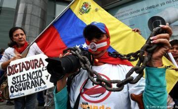 Gobierno y oposición vuelven a las calles de Venezuela; persisten fallas eléctricas