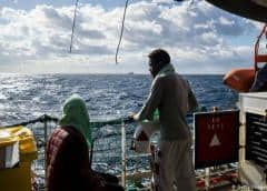 ONG: barco varado se queda sin agua, comida en Mediterráneo