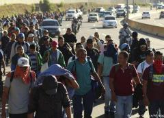 Agentes federales arrestan a cientos de migrantes en México
