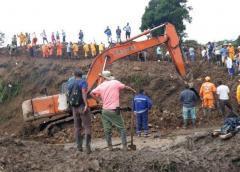 Cifra de cuerpos recuperados tras derrumbe en Colombia asciende a 30