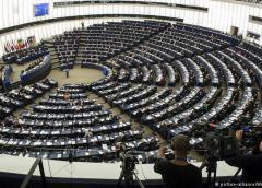 La Eurocámara aprueba más protección para los informantes de escándalos