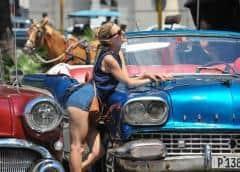 ¿Por qué la policía persigue a los guías turísticos privados en la Habana Vieja?