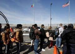 Cientos de inmigrantes de la frontera serán enviados a Florida