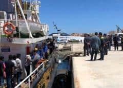 Marruecos impide paso a Europa a 3 botes con migrantes