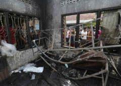 Al menos 30 muertos en un incendio en una fábrica de fósforos en Indonesia