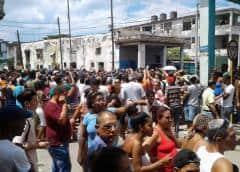 """Vecinos plantados en La Habana: """"Queremos que se nos respete el derecho a la vida"""""""