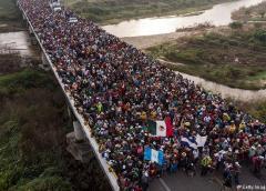 EEUU busca rechazar asilo a migrantes que transiten por México