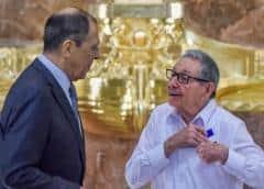 Castro y Lavrov inauguran Estatua de la República reparada con dinero del Kremlin