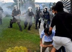 Grecia arresta a 61 migrantes tras violencia en Salónica