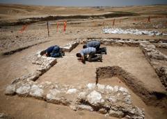 Arqueólogos encuentran mezquita de la época en que el Islam llegó a Tierra Santa