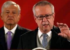 Secretario de Hacienda México renuncia al cargo citando conflictos de interés