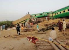 Pakistán: Choque de trenes deja al menos 20 muertos