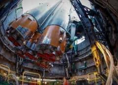 Emplazan la nave rusa Soyuz MS-13 en la rampa de lanzamiento de Baikonur
