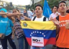Grupo internacional de juristas dice que estado de derecho colapsó en Venezuela