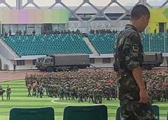 China concentra tropas en ciudad fronteriza con Hong Kong