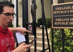 """""""Free Roberto Quiñones"""" exigieron frente a la embajada de Cuba en Washington"""