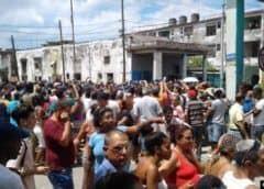 Residentes de La Habana cierran calles en protesta por la escasez de agua