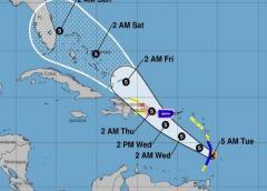 Emiten un aviso de tormenta tropical y una vigilancia de huracán para Puerto Rico