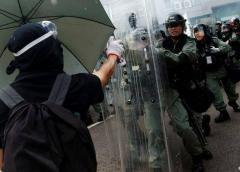 """Londres """"muy preocupado"""" por empleado de consulado en Hong Kong detenido en China"""
