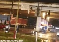 Hallan nueve cadáveres colgando de un puente en México
