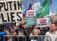 """Comunistas y liberales se manifiestan en Moscú por unas """"elecciones honestas"""" en Rusia"""