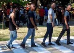 Cuba pinta cebra peatonal en homenaje a los Beatles